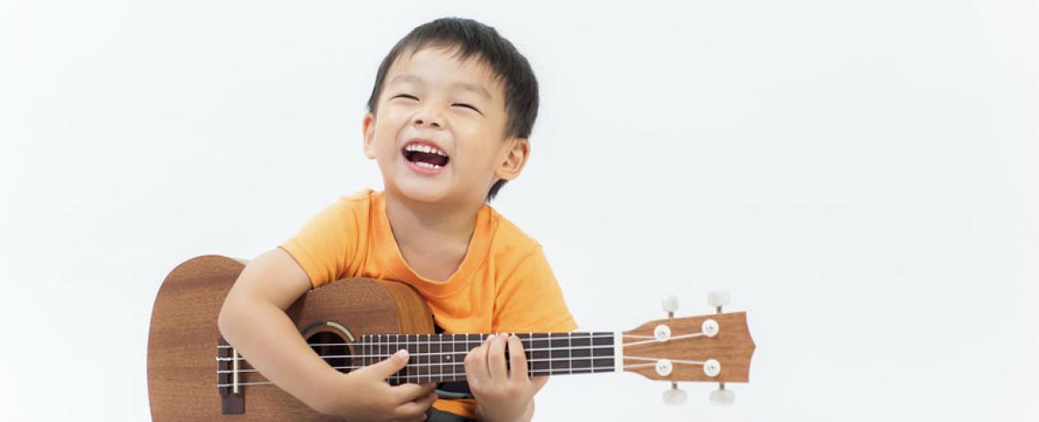 Trabalhar a brincar – A importância da musicoterapia no desenvolvimento da criança